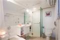 大床房浴室