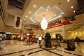酒店大堂裝潢中西兼容,展現雍容華貴的氛圍。