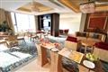 酒店用餐環境潔淨寬敞,座椅也相當舒適。