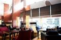 大廳酒廊悠閒輕鬆的下午茶氛圍