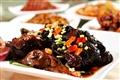 荷香干菜鴨為餐廳經典招牌菜,油香軟嫩的鴨肉不僅帶有荷葉香更有梅乾香,具有多層次風味。