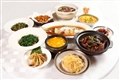 金玲瓏不但有道地的杭幫菜、粵菜等中式菜餚,也引入東南亞風味,創出新時代美味佳餚。