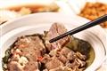人蔘汁牛肋骨-藥材香氣完全滲入肉中,滋味豐富。