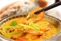 葡國咖哩蝦-金黃湯汁的浸潤讓蝦子富有多層次滋味。