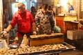 燒烤麻辣燙,豆腐、金針菇、粉絲等美味在裡面。