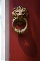 古意盎然的銅獅門把