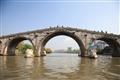 始建於明朝的拱宸橋記錄著杭州繁華的過往
