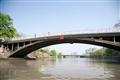 提醒橋身高度的紅色警示版