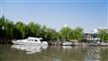 河面的遊艇