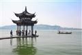 集賢亭與西湖上的遊船