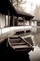 翠迷廊鏡池與木船